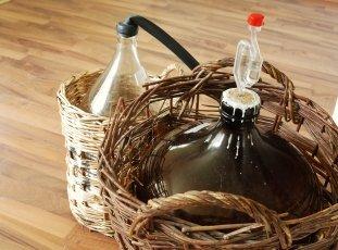Как хранить домашнее вино в домашних условиях