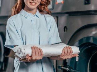 Химическая чистка штор в домашних и фабричных условиях: тонкости, преимущества и недостатки