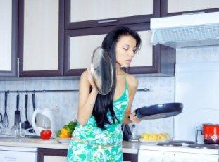 Как очистить сковороду от нагара в домашних условиях