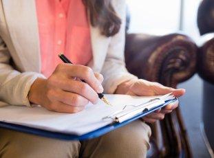 Как оттереть ручку с кожаного дивана