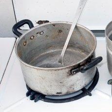 Как почистить алюминиевую кастрюлю от нагара, налета и черноты в домашних условиях