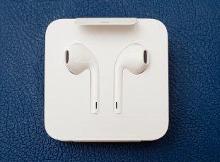Как почистить наушники EarPods, накладные, вакуумные и другие от серы