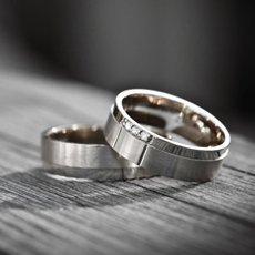 Как почистить серебряное кольцо при помощи подручных средств