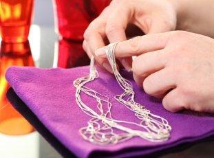 Как почистить серебряную цепочку в домашних условиях от черноты: 12 способов
