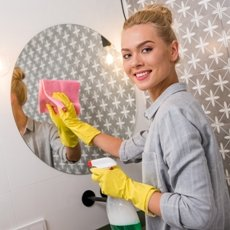 Как помыть зеркало без разводов в домашних условиях