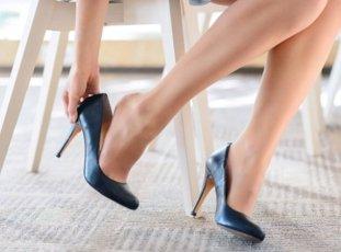 Как быстро разносить новые туфли: проверенные способы