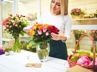 Как сохранить розы в вазе